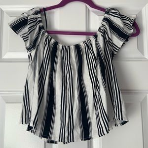 Off the shoulder stripped tee